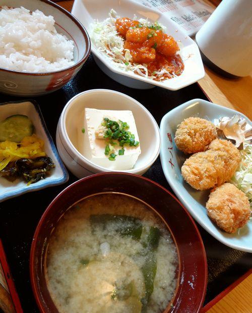 『十八番 おふくろ食堂』選べる定食(海老チリソース・カキフライ)アップ