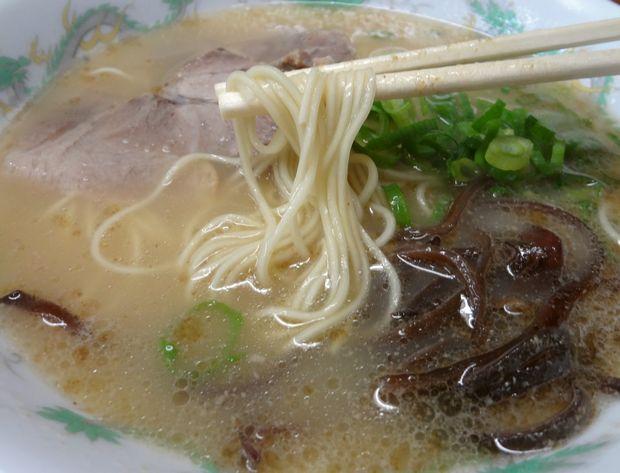 『未羅来留亭』ラーメン(麺リフト)