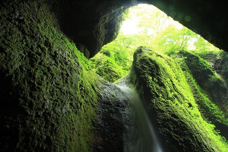 シワガラの滝、12