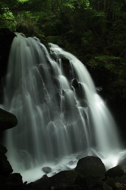 鶏鳴の滝、3