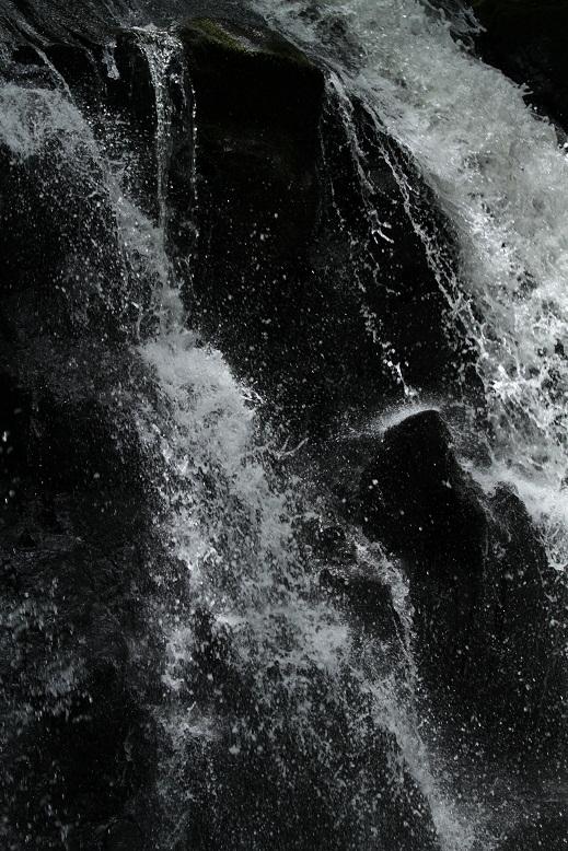 鶏鳴の滝、8