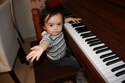 ピアノも弾くよ
