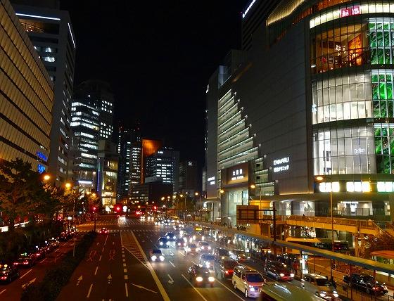 121107大阪駅前