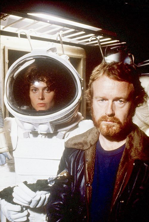 sigourney-weaver-and-ridley-believe-it-or-scott-on-set-of-alien.jpg