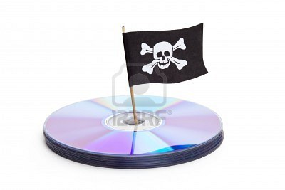 7870592-cd-dvd-and-pirate-flag-concept-of-piracy.jpg