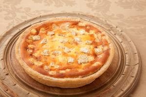 贅沢カマンベールチーズのタルト