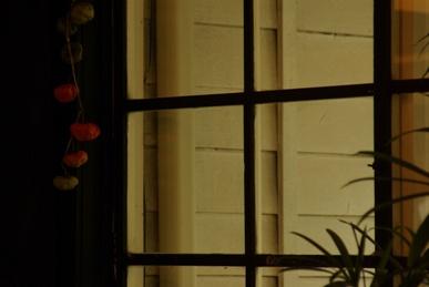 駅舎-窓の風景