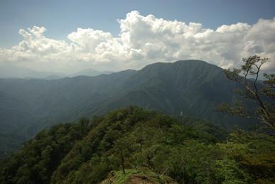 西丹沢の山並み