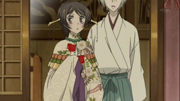 12 奈々生 神楽の衣装 巴衛