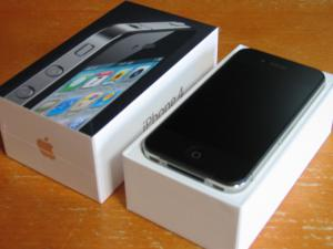 apple_iphone4_unbox_01.jpg