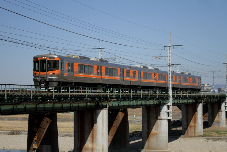 JR-Tokai&TOQ7602 045 (750x501)