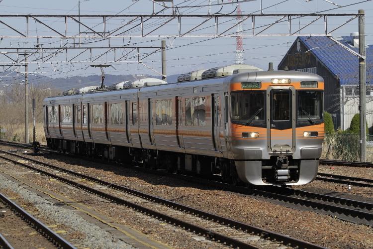 JR-Tokai&TOQ7602 052 (750x500)