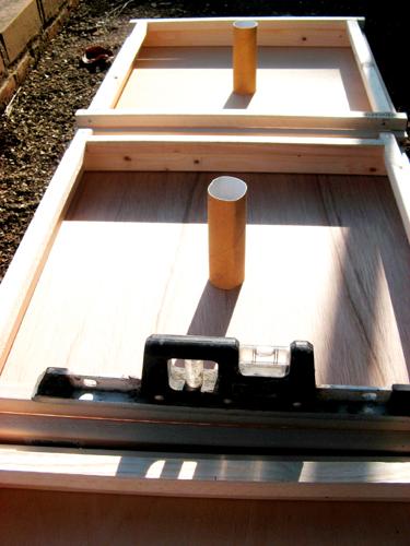 木枠と水準器