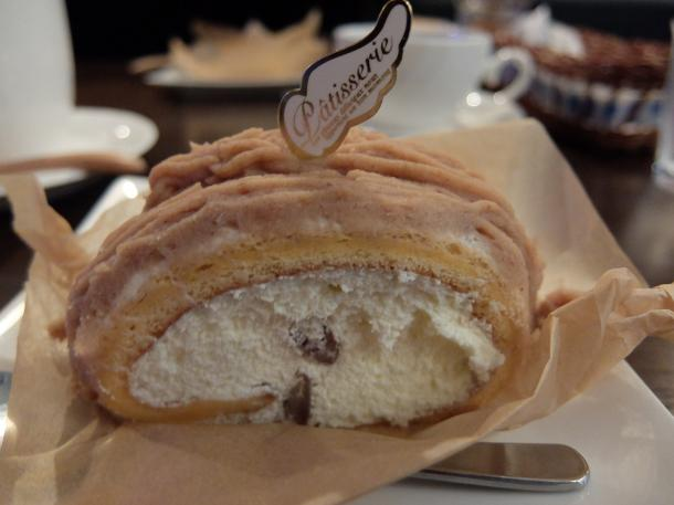 龍のたまごのモンブランシフォンケーキ