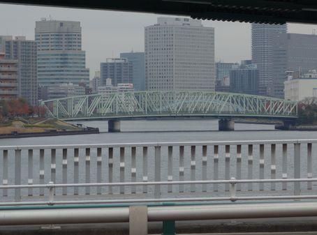 左手を見ると相生橋と永代橋