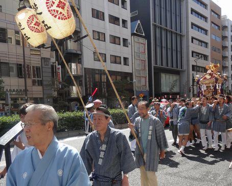 氏子町内の神輿が集結