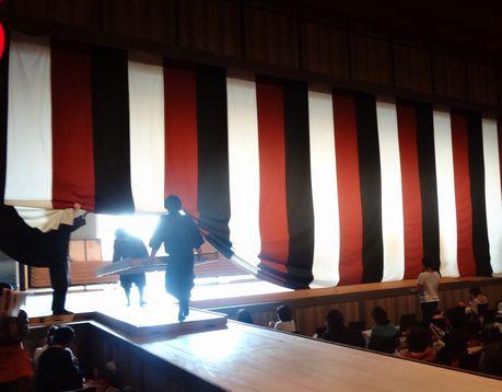舞台の裏側は隅田川