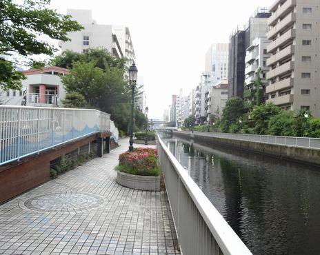 田町駅東口先