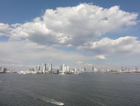 東京港の雲