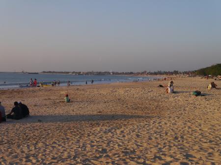 ジンバランのビーチ