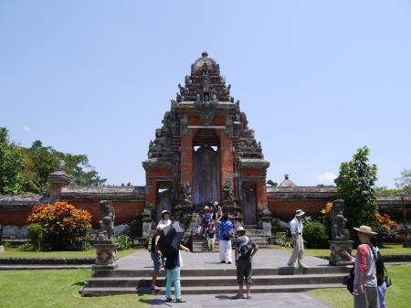 タマン・アユン寺院入り口