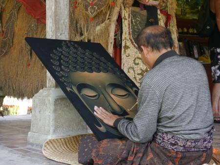 寺院内の絵描き