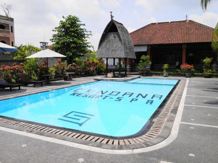 チェンダナ 入り口側のプール