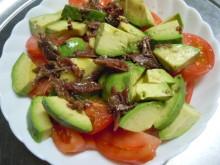Gooseberryの植木鉢-アボカドとトマトのアンチョビサラダ