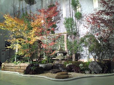 アクロス坪庭1