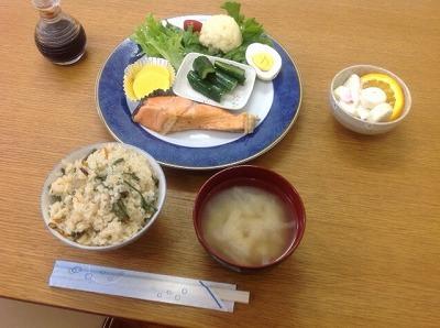 20130511鮭&炊き込みご飯&ポテトサラダ
