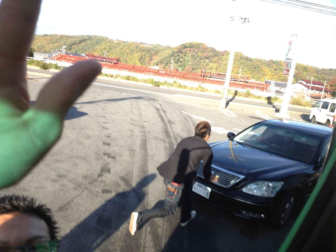 撮影妨害+逃走するセルシオ