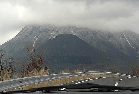 三股山も白く♪