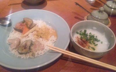 チェディルアンランチビュッフェ1050円3種カレーとお粥