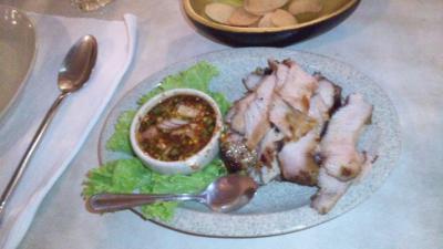 タイ20120704マンゴツリー豚の首炭火焼