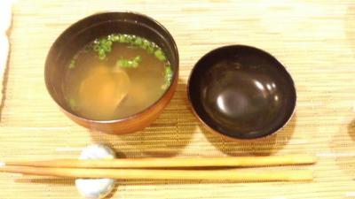 弓しげ締めの味噌汁