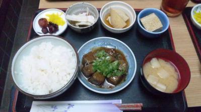 ゆうらく日替り定食500円サイコロステーキ201200829