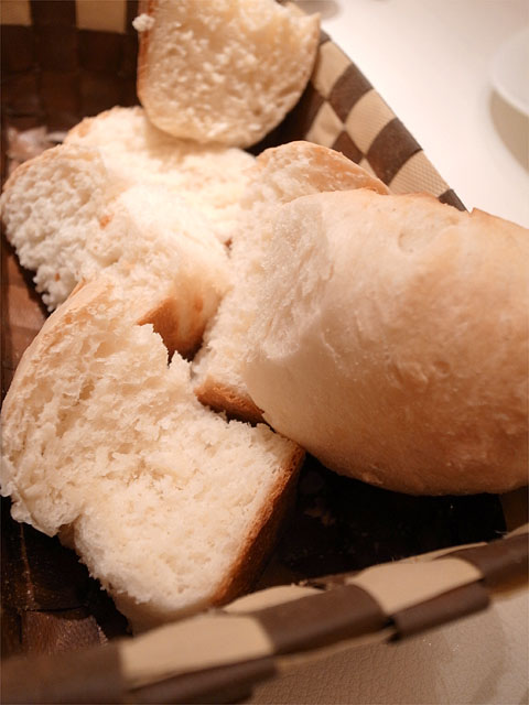 131230BACARI-自家製パン