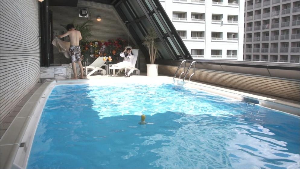 石原さとみ 新宿の例のプール