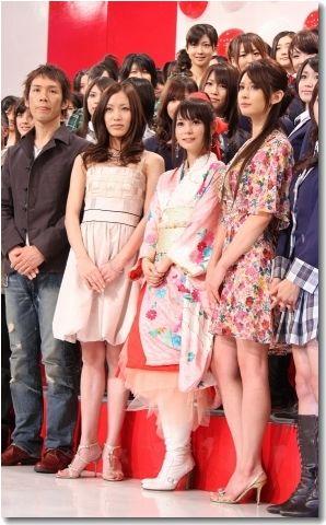 リア・ディゾンと中川翔子 2011年、紅白歌合戦に出演