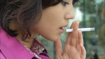 堀北真希、タバコを吸う 喫煙シーン