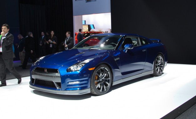 2013-Nissan-GT-R-placement-626x382.jpg