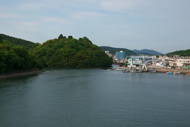 ⑪大島山、右手が川尻地区、那波