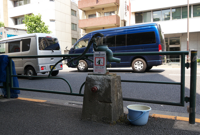 12-外苑西通り井戸