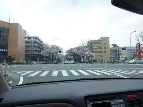警察署前の交差点