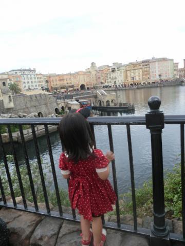 20121012 ディズニーシー ⑤メレニアンハーバーを望む (480x640)
