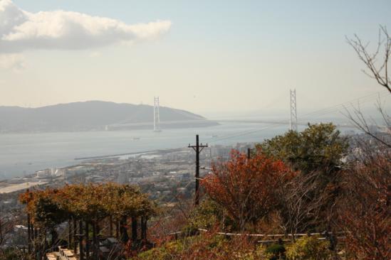 淡路島と橋をのぞむ