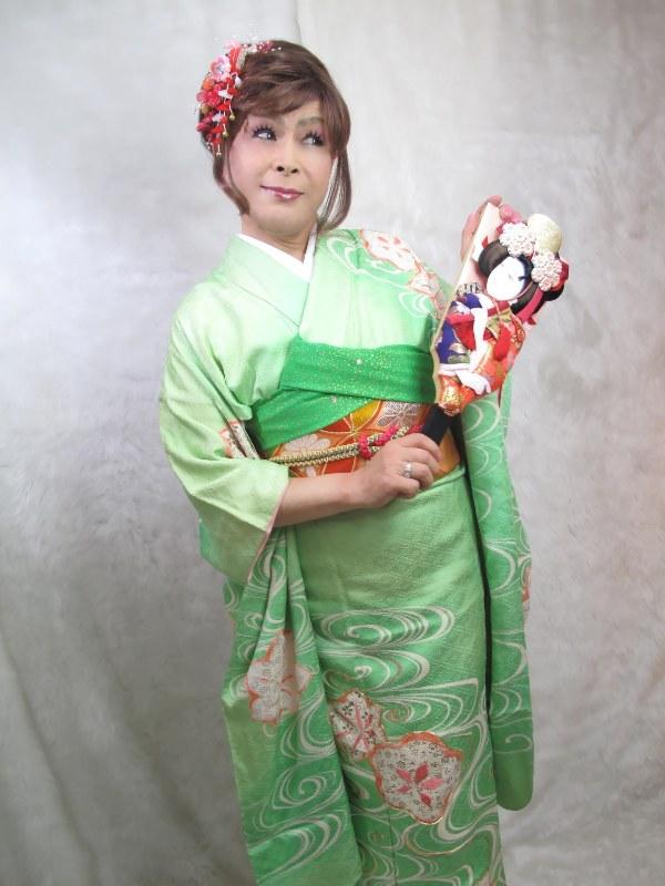 緑振袖羽子板(3)