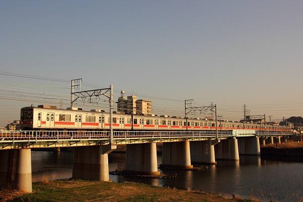9001F 鶴見川
