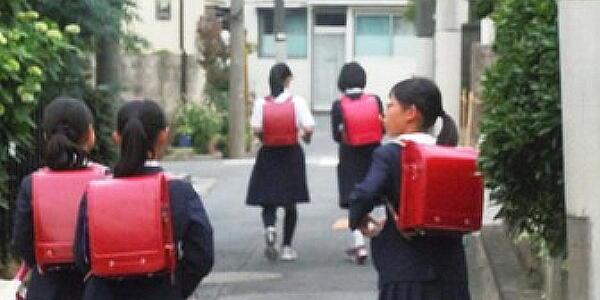 【広島】通学路の見守りボランティアの男(68歳)、女子小学生2人にわいせつ