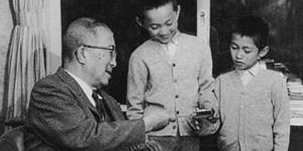 「鳩山新党」構想浮上 20人規模、8月上旬結成も視野 鳩山由紀夫は否定も、小沢一郎は秋波